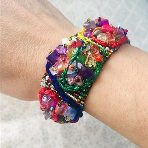 Jewelry - Stunning hand beaded bracelet. Multicolor